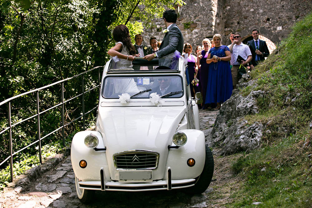 romanticweddingsonlakegarda drena car