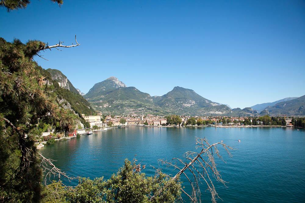 romanticweddingsonlakegarda riva del garda view