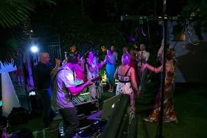 music-romantic-weddings-on-lake-garda